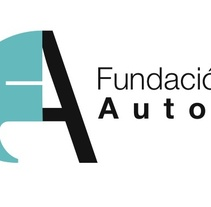 Logo y aplicaciones . A Design project by Sara Peláez - 24-11-2011