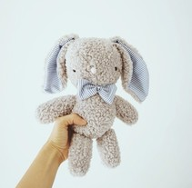 Conejito de peluche. A Character Design, and Crafts project by lelelerele         - 25.07.2014