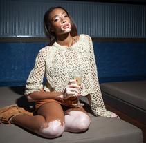 Winnie Harlow en Axel Hotel (BCN). Un proyecto de Publicidad, Fotografía, Moda y Marketing de Miguel García de la Arada - 12-08-2014