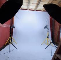 Backstage. Un proyecto de Instalaciones, Fotografía y Post-producción de Tomás Díaz T.         - 13.09.2014