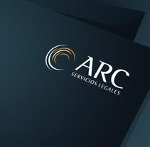 Diseño de logotipo para ARC Servicios Legales, un despacho asturiano formado por jóvenes abogados que ofrecen servicios de recuperación de deudas.. Um projeto de Br e ing e Identidade de Alejandro Prieto Jaime - 21-03-2013