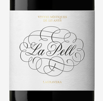 Vino La Pell - La Gravera. A Br, ing, Identit, Graphic Design, Packaging, and Calligraph project by Oriol Miró Genovart - 22-11-2014