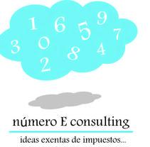 Logotipo asesoria . Un proyecto de Br e ing e Identidad de Luciana Garcilazo - 10-04-2014