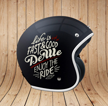 DEWE HELMETS. A Design, Accessor, Design, Art Direction, Br, ing, Identit, and Calligraph project by Conspiracystudio  - 06-01-2015