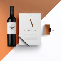 G L A R E   C E L L A R . A Art Direction, Br, ing, Identit, Graphic Design, and Packaging project by Marina Porté         - 28.02.2015