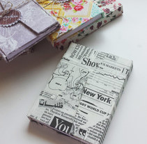 Libreta con estampado de papel de diario. A Crafts project by Anna Gimenez           - 23.04.2015