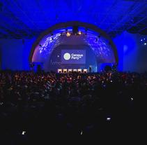 De la Tierra a la Luna · Campus Party. Un proyecto de Diseño, Br, ing e Identidad, Eventos y Escenografía de Yolanda Benedito         - 19.02.2015