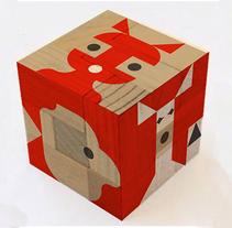 Cubo madera decoración. Un proyecto de Ilustración, Diseño de juegos y Diseño de producto de Cristina de Blas Dilla         - 10.09.2015