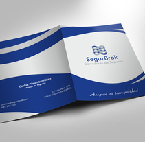 Carpeta SegurBrok. A Br, ing, Identit, Graphic Design, and Marketing project by Juan Antonio Baena - 18-09-2014