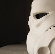 WP Stormtrooper Helmet. Un proyecto de Dirección de arte, Escultura y Escenografía de Paula Posadas Alvarez         - 13.01.2017