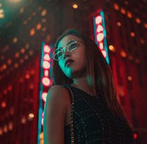 Lost in the city of lights. A Advertising, Photograph, Art Direction, Lighting Design, and Digital retouching project by Mikeila Borgia         - 16.09.2017