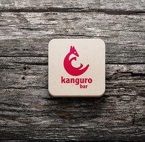 Kanguro bar. Um projeto de Br, ing e Identidade e Design gráfico de Alejandro González Osés         - 19.02.2018